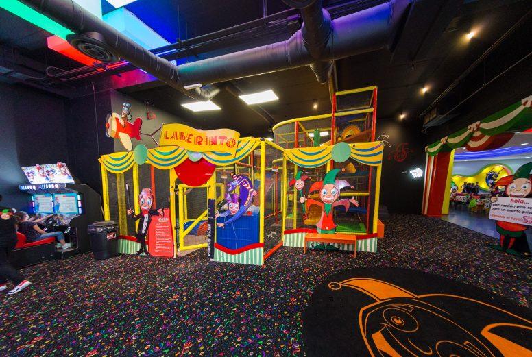 Circus Park Fashion Drive-018