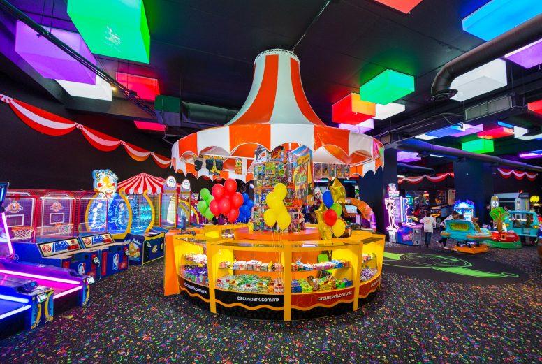 Circus Park Fashion Drive-019