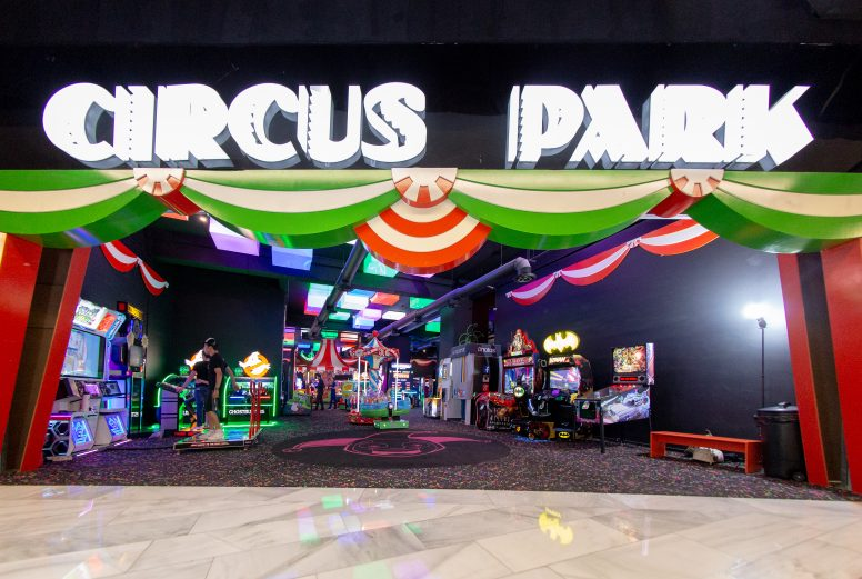 Circus Park Fashion Drive-093